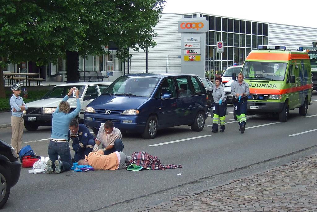 Píndoles de reconstrucció d'accidents de trànsit I: Velocitat d'atropellament en funció de la projecció del vianant