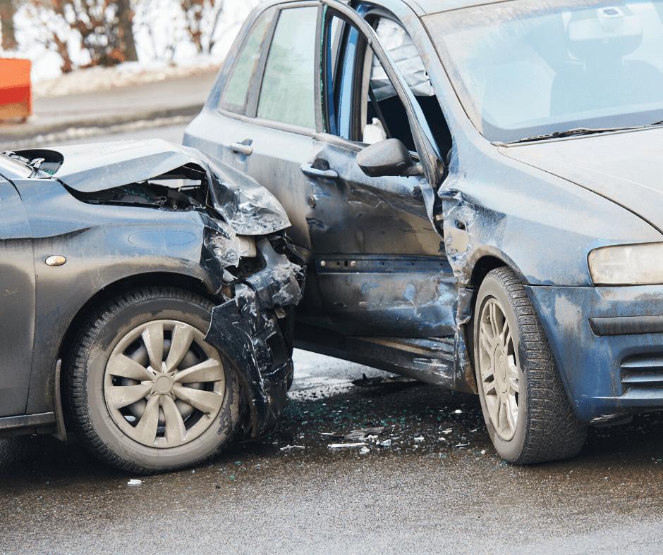 Colisiones frontolaterales: qué son y cómo llevamos a cabo una reconstrucción en este tipo de accidentes